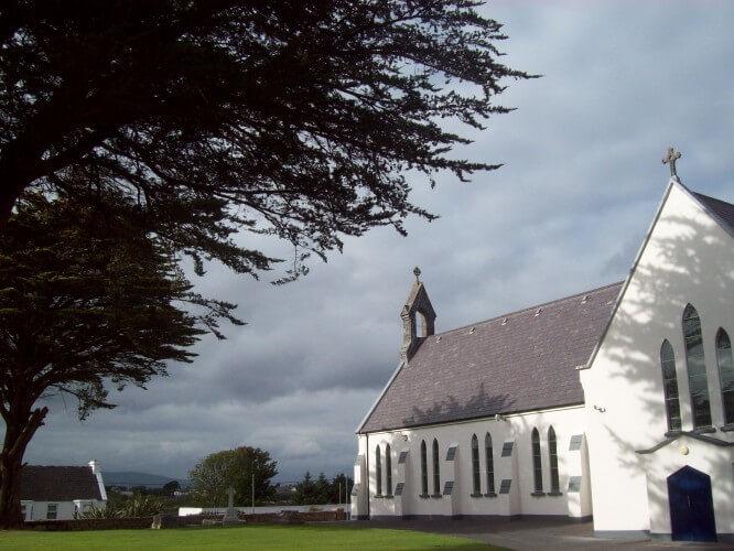 The church in An Ceathrú Rua. 2013, by Audrey Nickel